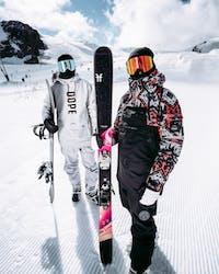 what-to-wear-snowboarding-or-skiing-ridestore-magazine