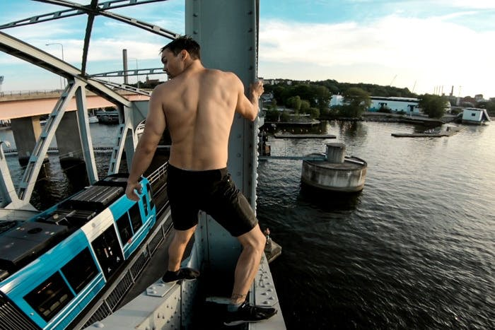 Cliff-jumping-lifestyle