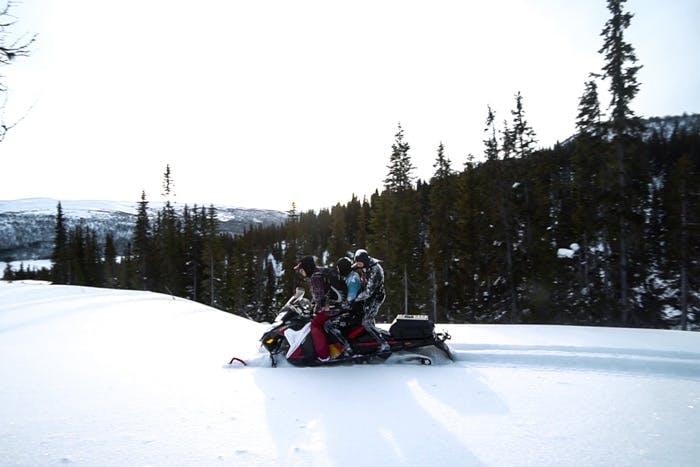 cliff-jumping-snowmobile