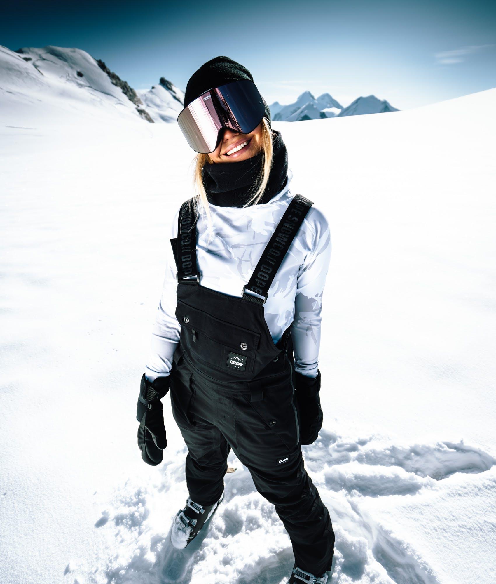sottotuta sci stare al caldo sulla neve
