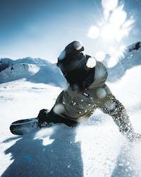 Tricktips- Hur du lär dig carving med snowboard - Ridestore Magazine