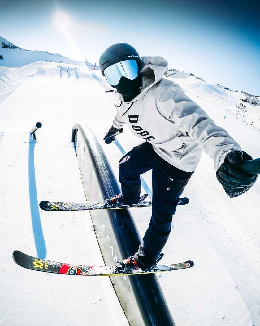 wie-man-boxen-und-rails-auf-skiern-fahrt-ridestore-magazine